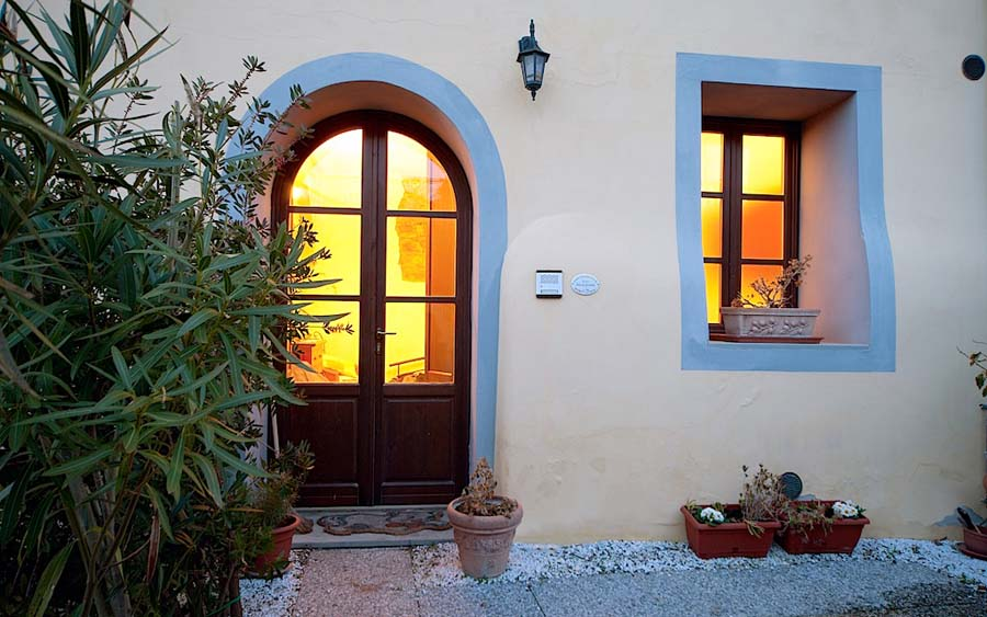 Pieve di Santa Luce, lovely small apartment with garden and swimming pool