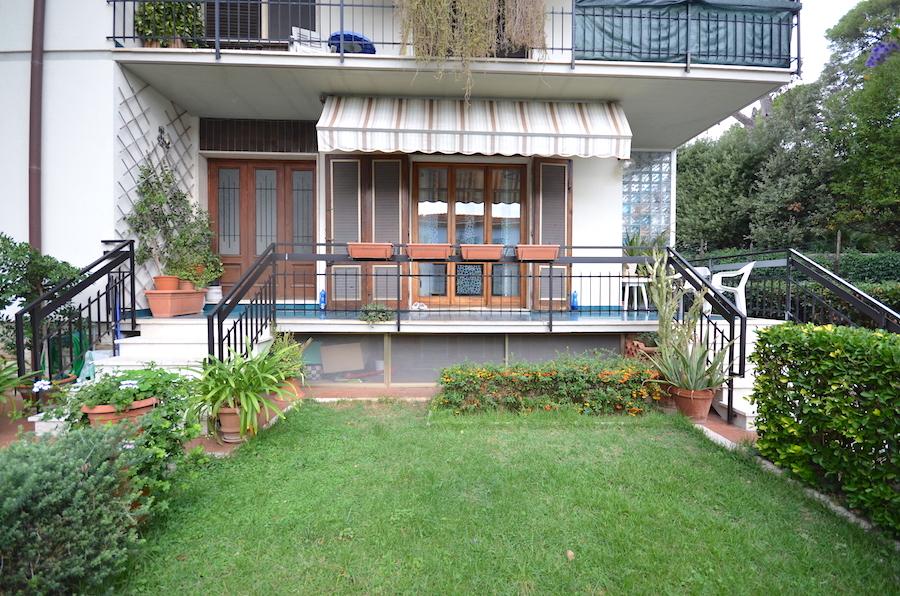Castiglioncello Promontorio, appartamento con giardino