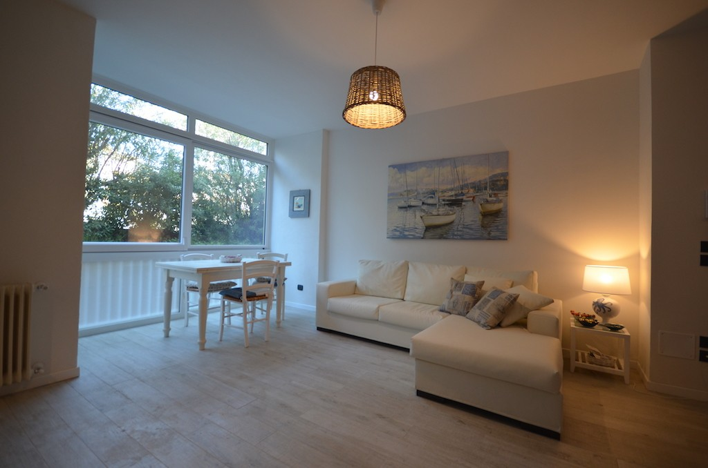 Castiglioncello 200 m from the sea, elegant ground floor apartment