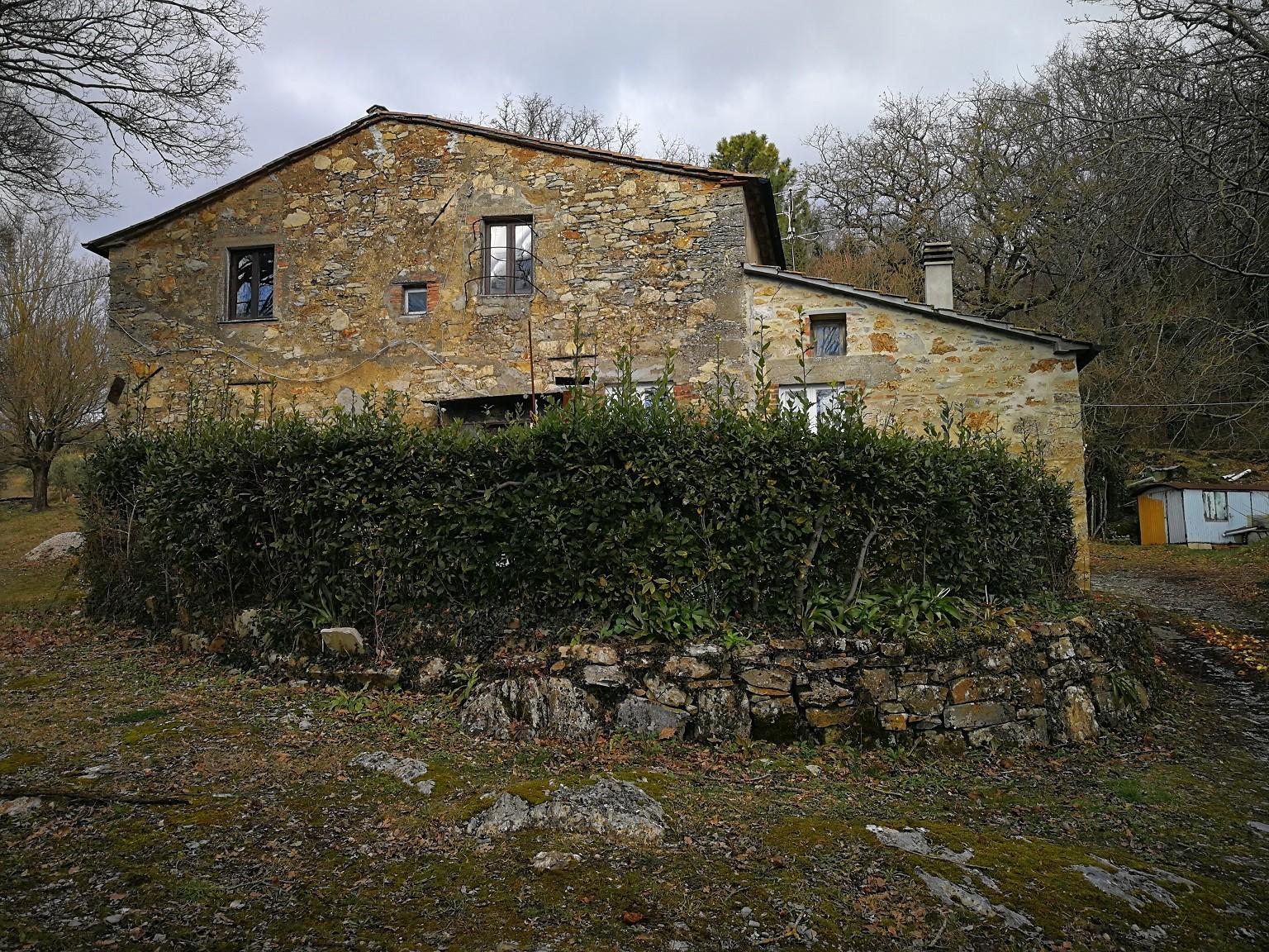 Colonica a Castelnuovo di Val di Cecina (1/5)