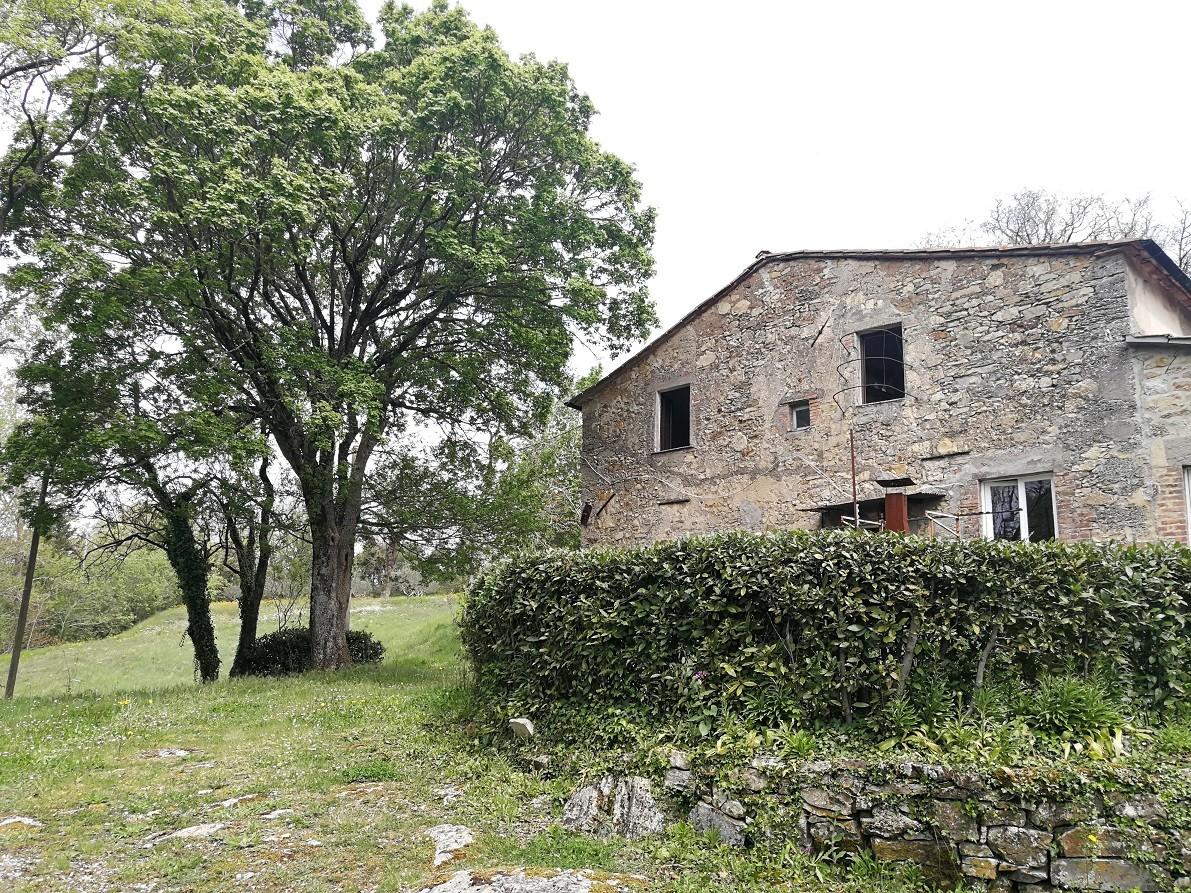 Colonica a Castelnuovo di Val di Cecina (2/5)