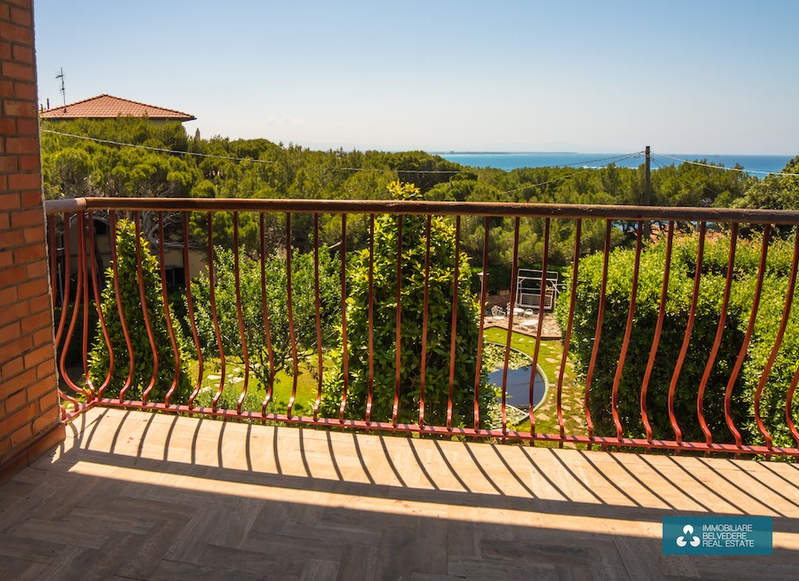 Castiglioncello, Tuscany, large villa with garden, 100 m from the sea