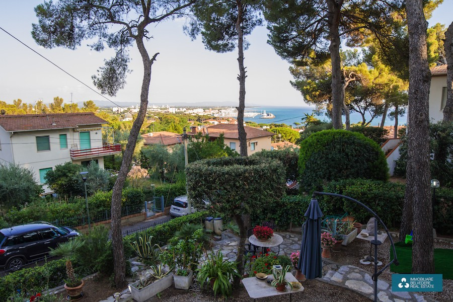 Castiglioncello, Tuscany, with sea view and large garden with gazebo and whirlpool