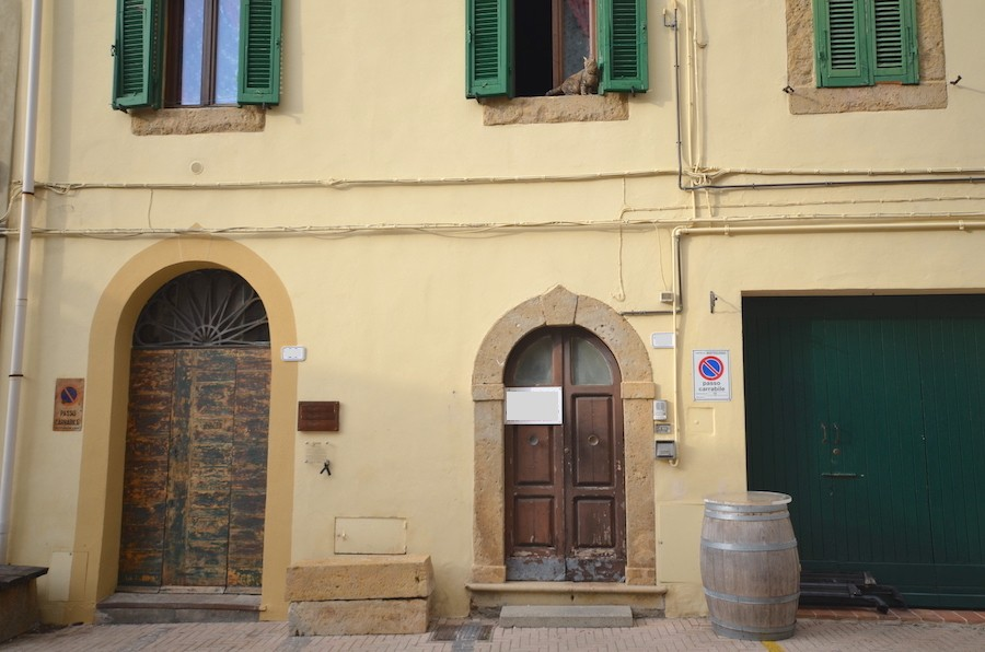 Montescudaio, Tuscany, in the historic center, 67 sqm flat
