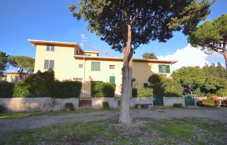 Castiglioncello, ground floor, two gardens